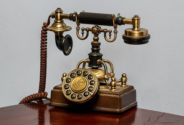 telephone-450639_640
