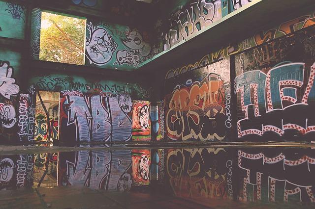 graffiti-832341_640