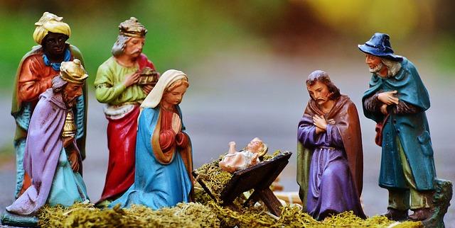 christmas-crib-figures-1060016_640